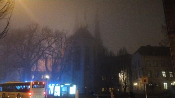 La Cattedrale di Notre Dame avvolta nella nebbia